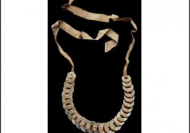 anni-albers-washer-necklace-border1