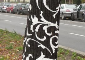 stenciled-tree