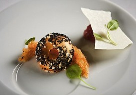 WD-50 (Everything bagel, smoked salmon threads, crispy cream cheese)