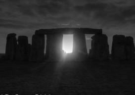 stonehenge B+W