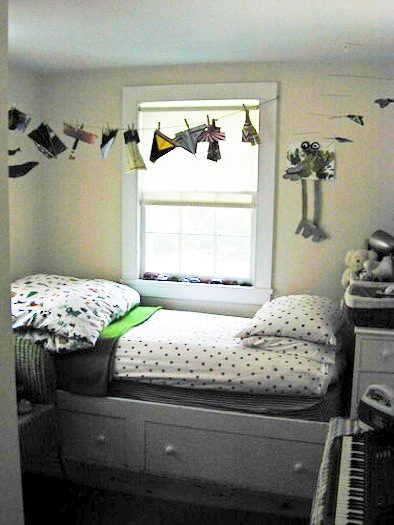 clothes pin kid's room mobile