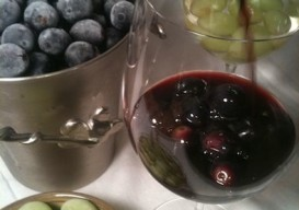 wine chilled with frozen grapes