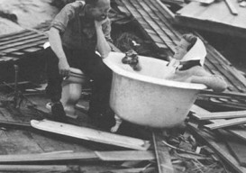 Katherine Hepburn in barthtub, after hurricane of '38