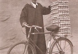 Dargelos' blog bike rider with eggs