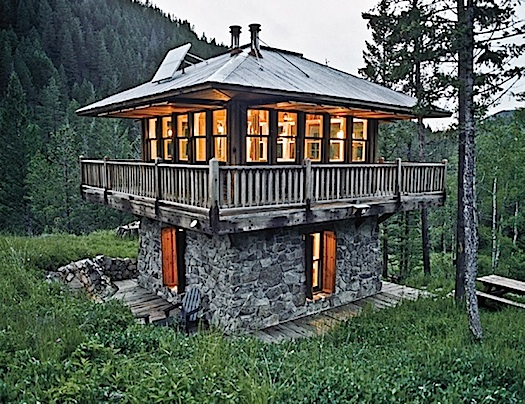 cabin in montana by lloyd kahn from tiny homes