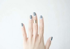 DIY outlined nails