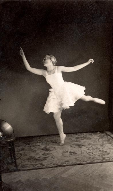 ballerina mid-flight