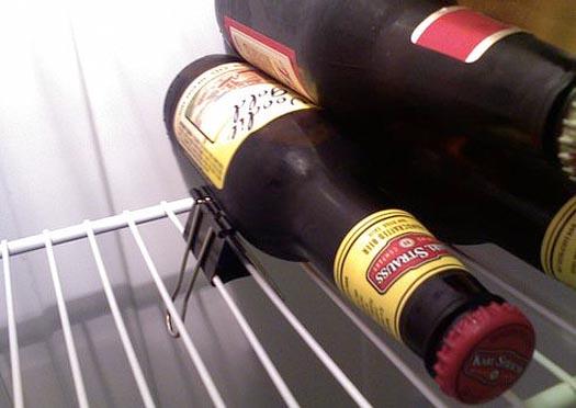 store horizontal bottles in the fridge