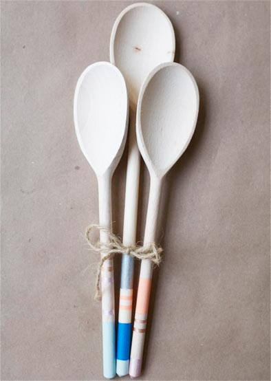 paint these colorful wooden spoons at home