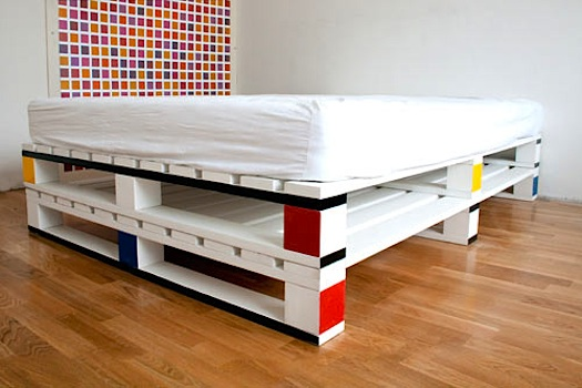 German designer Fabian Gatermann created a concept room in a design hostel called the cube room,