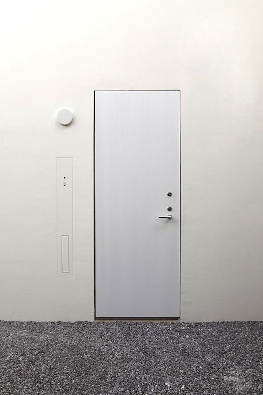 minimalist door w no frame