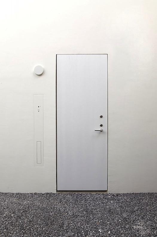 minimalist door w no frame