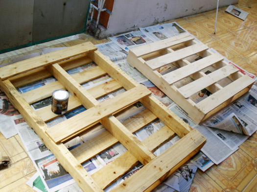 pallet furniture steps