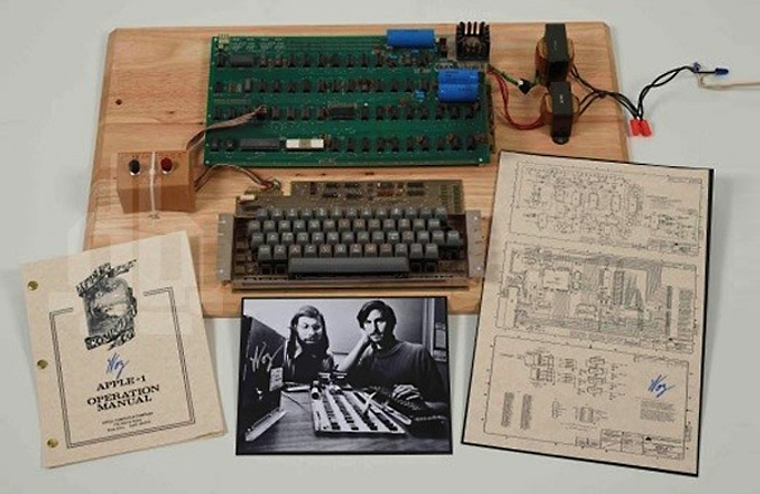 apple-1 first apple computer