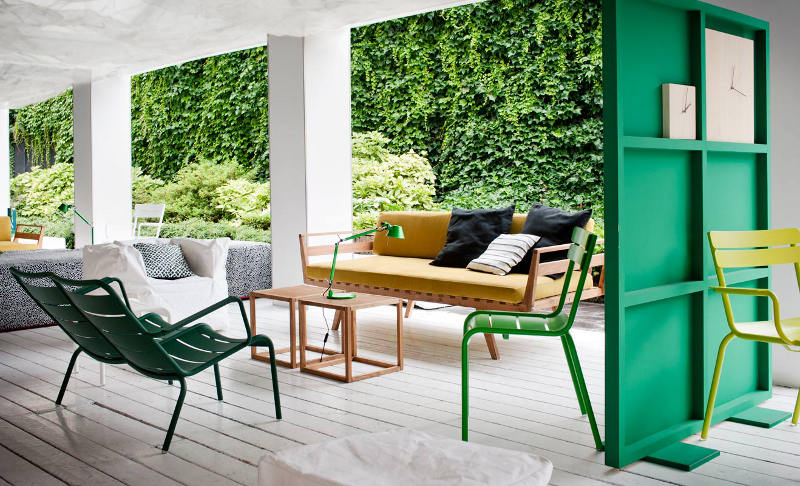 green wood room divider 2