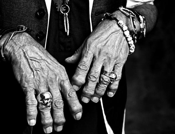 Keith Richards' hands/Francesco Xarrozzini