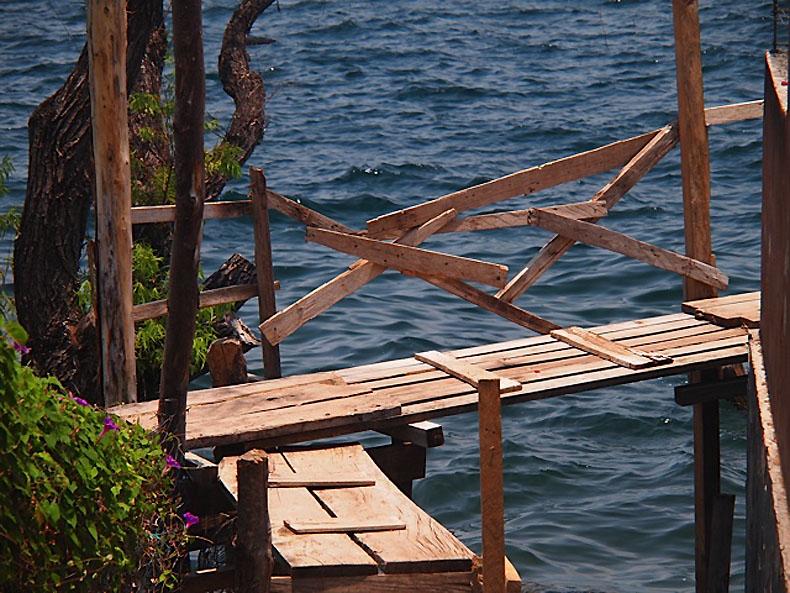 Lake-Atitlan-Guatemala-Handrail-Dworski
