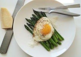 asparagus w fried egg 1