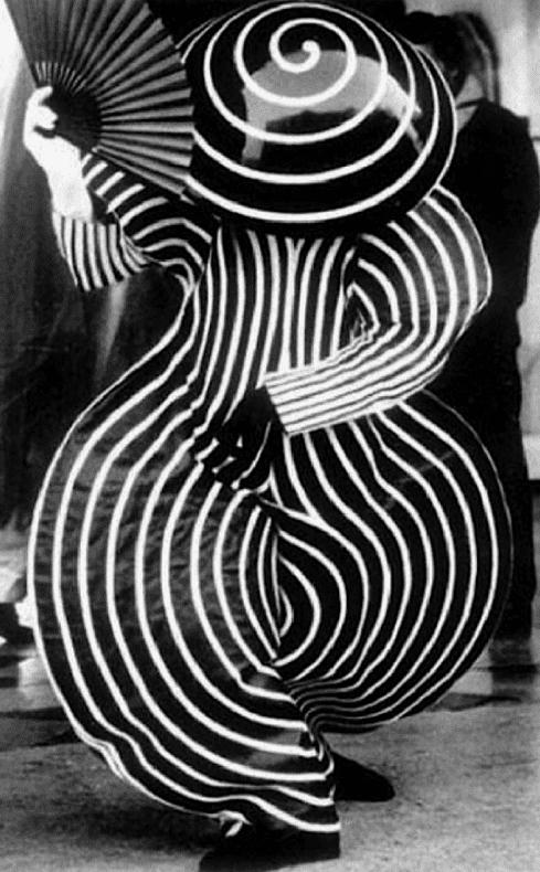 bauhaus oskar schlemmer costume Bauhaus_ballet_costumes_from_1921