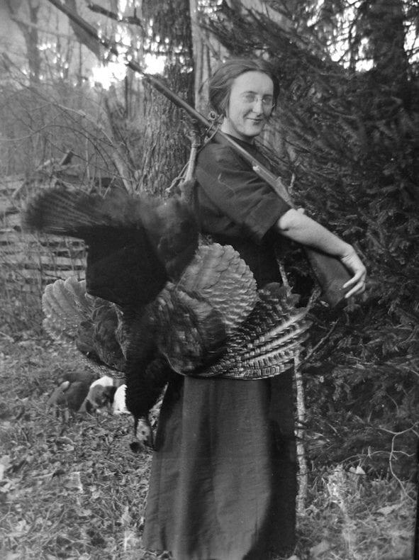 woman-w-turkey-800-px